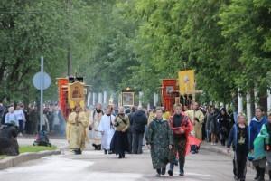 КИРОВ - СБОР ПОДПИСЕЙ НА ВЕЛИКОРЕЦКОМ КРЕСТНОМ ХОДЕ