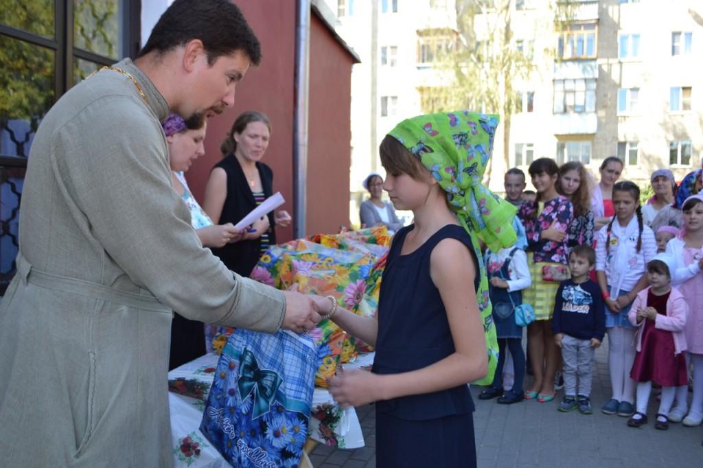 Подарки школьникам в Калуге