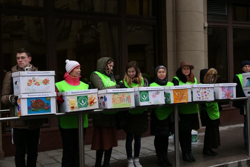 1 ноября 2017 года представители Общероссийского общественного движения «За жизнь!» привезли в администрацию президента РФ миллион подписей
