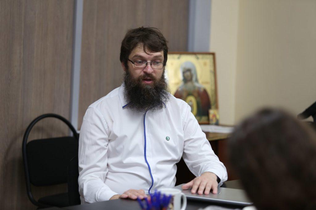 Историк и ветеран российского движения «За жизнь!» Владимир Потиха