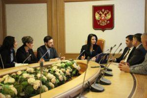 В Госдуме обсудили опыт России и Сербии по поддержке семей с детьми