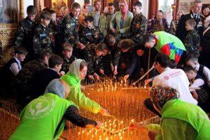2300 свечей в память о нерожденных детях