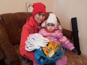 Помощь к Михайловским дням получили 65 семей Саратовской области