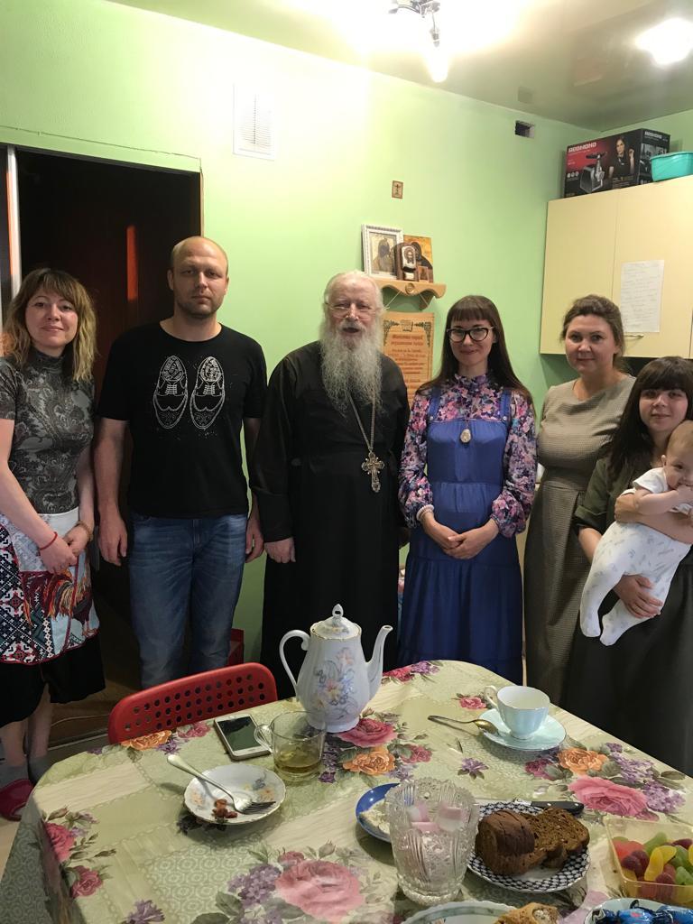 Архимандрит Дорофей посетил приют автономной некоммерческой организации «Центр защиты семьи, материнства и детства «Умиление» в Казани