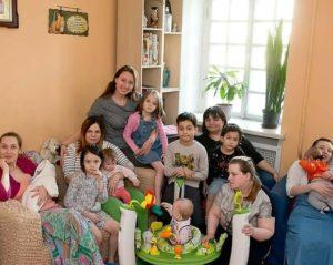 «Дом для мамы»: куда пойти беременной или с детьми на руках, если некуда идти